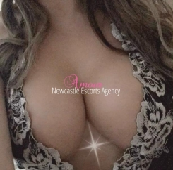 Newcastle escort agency -Holly